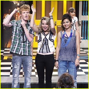 Lemonade Mouth on 'So Random' -- Look #2!