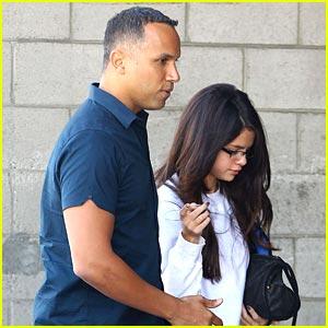 Selena Gomez: Sweat Pants 'Spring Breaker'
