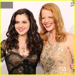 Katie Leclerc & Vanessa Marano: American Music Awards 2011