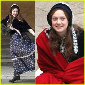 Dakota Fanning: Little Red Riding 'Effie'