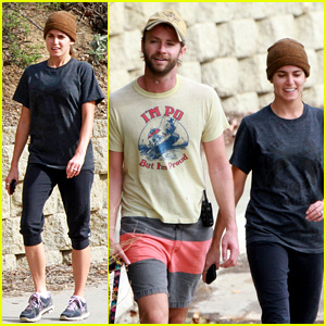 Nikki Reed & Paul McDonald: Dog-Walking Duo!