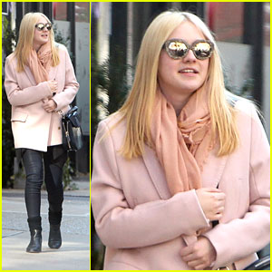 Dakota Fanning: Soho Stroll with Friends