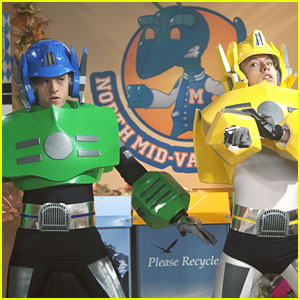 Dylan & Cole Sprouse on 'So Random' -- New Pics!
