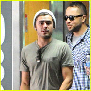 Zac Efron: Beverly Hills Meeting Man!