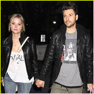 Ashley Benson: Lakers Game with Ryan Good!