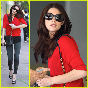 Ashley Greene Speaks Out On 'LoveIsRespect'