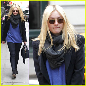 Dakota Fanning Strolls in Soho