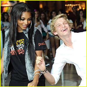Jessica Jarrell Joins Cody Simpson on Tour!