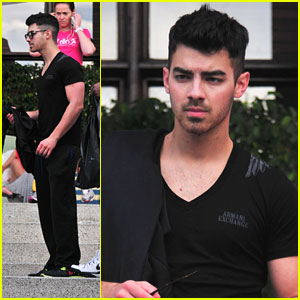 Joe Jonas Has More Clothes than His Female Friends
