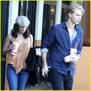 Vanessa Hudgens &#038; Austin Butler: Jamba Juice Stop
