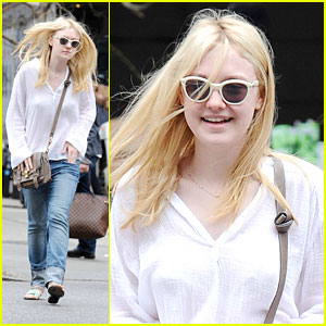 Dakota Fanning: NYC Tour Guide
