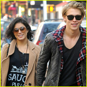 Vanessa Hudgens &#038; Austin Butler: Soho Sweeties!