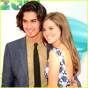 Avan Jogia & Zoey Deutch: Kids Choice Awards Couple!