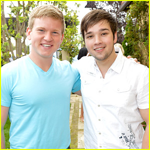 Nathan Kress & Doug Brochu are 'Mending Hearts'