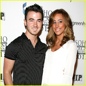 Kevin &#038; Danielle Jonas are 'Forgetting The Girl'