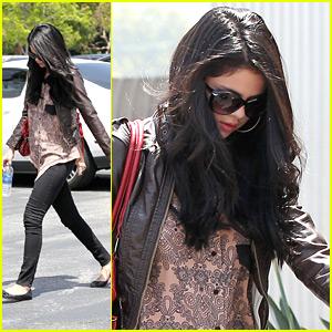 Selena Gomez: Ryan Seacrest Foundation Ambassador!