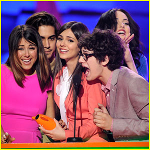Victorious WINS at Kids Choice Awards 2012!