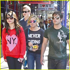 nathan kress and miranda cosgrove 2015. miranda cosgrove \u0026 jennette mccurdy hit nyc with \u0027icarly\u0027 nathan kress and 2015 r