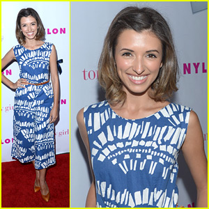 India de Beaufort: Send In Your Questions!