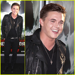 Jesse McCartney: 'Chernobyl Diaries' Premiere!