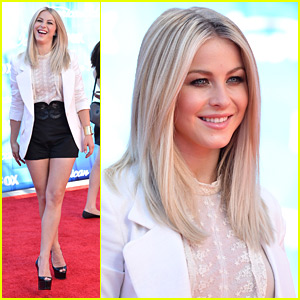 Julianne Hough: 'American Idol' Finale with Family