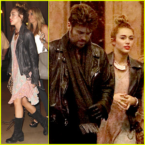 Miley Cyrus: 'Chicago' Theater Outing with Family