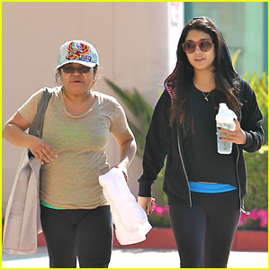 Vanessa Hudgens: Workout with Mom Gina
