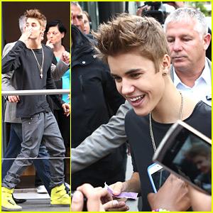 Justin Bieber Suffers Concussion in Paris; Tweets He's OK