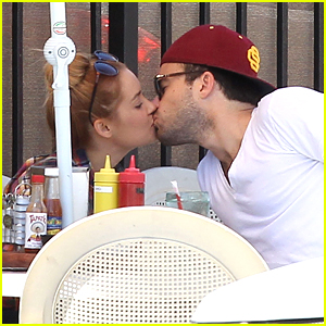 Lauren Conrad Kisses & 'Tell's