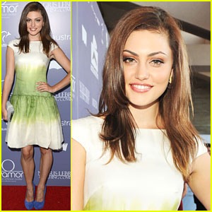 Phoebe Tonkin: All Smiles At Australians in Film Awards!