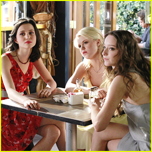 Emma Dumont &#038; Sutton Foster Have 'Money For Nothing' on 'Bunheads'