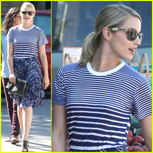 Dianna Agron Has a Tech-Free V