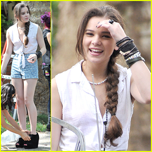 Hailee Steinfeld: 'Awesome Day' on 'Song' Set