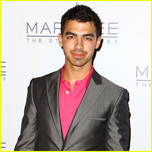 Joe Jonas Interview - JustJaredJr.com Exclusive!
