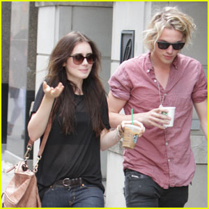 Lily Collins &#038; Jamie Campbell Bower: Holding Hands!
