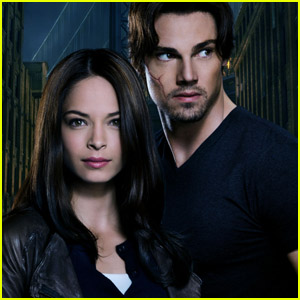 Kristin Kreuk &#038; Jay Ryan: 'Beauty &#038; the Beast' Stills!