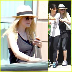Dakota Fanning: Weekend Workout with Mom Joy