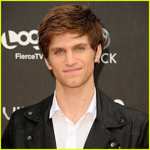 Keegan Allen: 'Pretty Little Liars' Interview