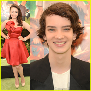 Kodi Smit-McPhee: 'ParaNorman' Premiere with Jodelle Ferland