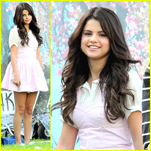 Selena Gomez: 'Spring Breakers' Clip WATCH NOW