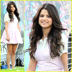 Selena Gomez: 'Spring Breakers' Clip WATCH NOW