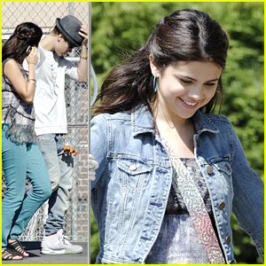 Selena Gomez: Justin Bieber Visits 'Parental Guidance' Set
