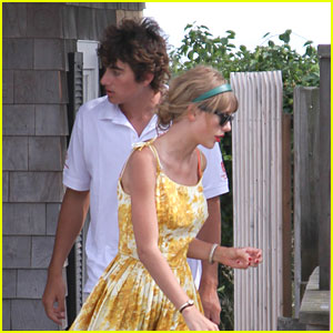 Taylor Swift: 'We Are Never Ever Getting Back Together' Hits #1 on Billboard Hot 100