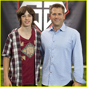 Leo Howard: 'Sport Science' Premieres Today!