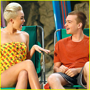 Miley Cyrus on 'Two and a Half Men' -- First Pics!