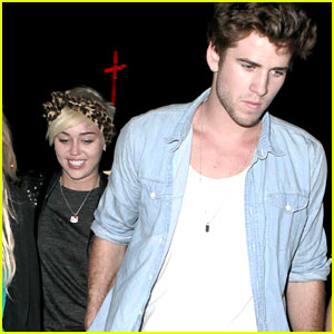 Miley Cyrus: Dad Billy Ray's Concert with Liam Hemsworth