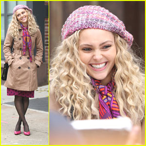 AnnaSophia Robb Films with Freema Agyeman for 'The Carrie Diaries'