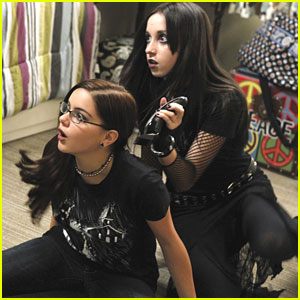 Ariel Winter Goes Goth For 'Modern Family'