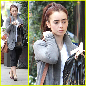 Lily Collins: Pusateri's Food Pick Up