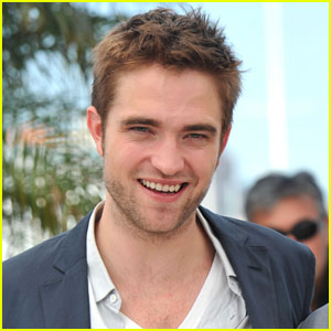Robert Pattinson: 'Hold On To Me' Star?